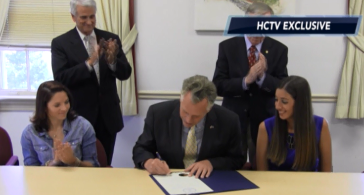 Governor Terry McAuGovernor Terry McAuliffe signing proclamation that the 3rd week of January is Teen CANCER awareness week